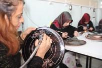 KAYMAKAMLIK - Örnek Kadınlar Hem Evlerine, Hem Eğitime Destek Oluyor