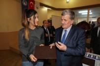 GÖRME ENGELLİ - Sosyal Hizmet Öğrencilere Kabartma Tablet Dağıtıldı