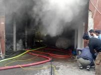 SANAYİ SİTESİ - Bakırköy'de Korkutan Yangın