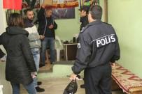 SİVİL POLİS - Isparta'daki İnternet Kafe Ve Oyun Salonlarına Polis Denetimi