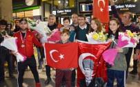 İĞDE - Milas Bodrum Havalimanı'nda Şampiyonlara Yakışır Karşılama