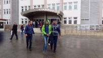 GÜZERGAH - Pikniğe Gitmek İçin Toplanan Maskeli Şahıslar 3 Kişiyi Gasp Etti