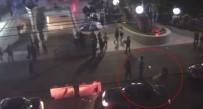 SİLAHLI SALDIRGAN - Profesöre Cadde Ortasında İnfaz