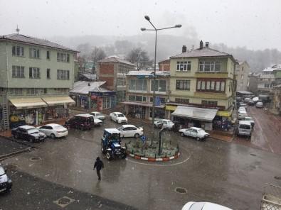 Samsun'a Mevsimin İlk Karı Düştü
