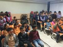 SINEMA FILMI - Şaphane'de Öğrencilerin '3D' Sinema Keyfi