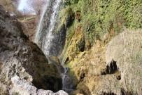 ŞELALE - Sızır Şelalesi Doğal Güzelliğiyle Büyülüyor