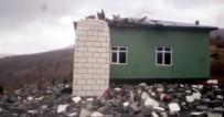 YILDIRIM ÇARPMASI - Yıldırım Cami Minaresini Yıktı