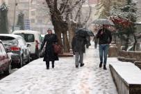 Yozgat'a Mevsimin İlk Karı Yağdı