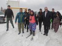 ARSLANKÖY - 'Yün Bebek' Filminin Yönetmeni Ümmiye Koçak'ın Kayak Heyecanı