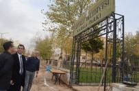 ÇOCUK PARKI - 3 Yıldır Çivi Çakılmayan Mahalleye Kayyum İle Hizmet Akıyor