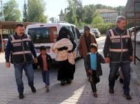 KİMLİK KARTI - 5 Aylık Emira Ve Ailesine Polis Sahip Çıktı
