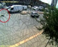 IŞIK İHLALİ - Adana'da Trafik Kazaları MOBESE'ye Yansıdı