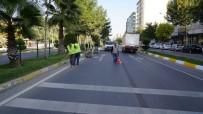 YAZ MEVSİMİ - Adıyaman Belediyesi Kaldırım Taşlarını Boyadı