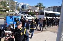 CEP TELEFONU - Alanya'da 8 Kişilik Hırsızlık Çetesi Çökertildi