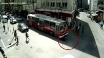 IŞIK İHLALİ - Az Kalsın Otobüsün Altında Kalıyordu