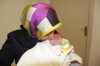 ALIKAHYA - Bir Günlük Ahmet Asım Bebeğe Yeni Yemek Borusu Yapıldı