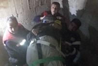 YAVUZ SULTAN SELİM - İnşaatı Geziyordu Asansör Boşluğuna Düştü