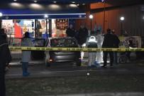 HÜSEYİN KARACA - İzmir'de Silahlı Kavga Açıklaması 1 Ölü, 2 Yaralı