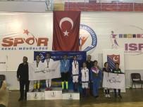 ANTALYA - Kağıtsporlu Eskrimci Trabzon'dan Bronz Madalya İle Döndü