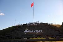YEMIŞLI - Manavgat Yemişli Mesire Alanına Dev Türk Bayrağı
