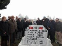 GAZILER - Şehit Polis Memuru Kabri Başında Dualarla Anıldı