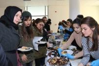 SOSYAL SORUMLULUK PROJESİ - Üniversite Öğrencilerinden 'Şehit Ailelerine Yardım Kermesi'