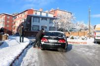 Yozgat'ta Buzlanan Yollar Sürücülere Ve Vatandaşlara Zor Anlar Yaşattı