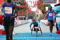 DERNEK BAŞKANI - Avrasya Şampiyonu Milli Sporcuya Autoshow26 Sponsor Oldu