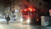 Burdur'da Eski Tekel Binasında Korkutan Yangın
