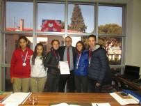 TÜRKİYE - Burhaniye'de Özel Şampiyonlara Müdür Teşekkürü