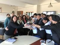 MEHMET AKGÜN - Çeşme'de Ödüllü Genç Aşçılardan Öğretmenlerine Sürpriz