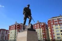 KAPAKLı - Kahraman Ömer Halisdemir'in Anıtı Yapıldı