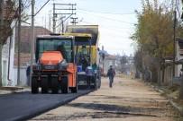Karaman Belediyesi İki Mahallede 65 Sokağı Asfaltladı