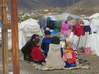 DERECIK - Ortadoğu'daki Savaş En Çok Çocukları Ve Kadınları Vurdu