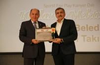 Zeytinburnu Buz Hokeyi Takımı'na Fair Play Ödülü