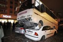 MİNİBÜS ŞOFÖRÜ - 2 Otomobili Ezen Minibüs Şaha Kalktı