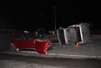 HASAN ANGı - AK Partilileri Taşıyan Minibüsle Otomobil Çarpıştı Açıklaması 7 Yaralı