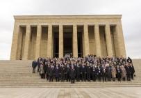 ANıTKABIR - Bakan Yılmaz, Öğretmenlerle Birlikte Anıtkabir'i Ziyaret Etti