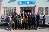 MUSTAFA BOZBEY - Bozbey Öğretmenleri Yalnız Bırakmadı
