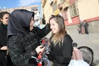 TEVFİK FİKRET - Büyükşehir Belediyesi'nden Öğrencilere Bisiklet