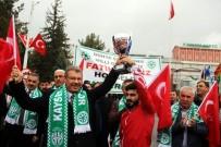 KAYSERİ ŞEKERSPOR - Dünya Şampiyonu Güreşçi Fatih Cengiz, Memleketinde Coşkuyla Karşılandı