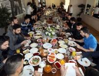 ÖNDER FIRAT - Fenerbahçeliler kahvaltıda buluştu