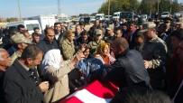 DERNEK BAŞKANI - Nişanlandıktan 5 Gün Sonra Kazada Ölen Güvenlik Korucusu Defnedildi