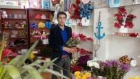 KEMAL ŞAHIN - Öğretmenler Günü Çiçekçilerin Yüzünü Güldürdü