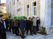 MÜSLÜMAN - Ölmeden Önce 'Ayşe' Oldu, İslami Usullere Göre Defnedildi