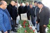MUSTAFA PALA - Şoförlerden Öğretmeni Gibi Bildikleri Özgizler'in Mezarına Ziyaret