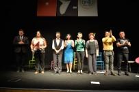 BOZÜYÜK BELEDİYESİ - Tiyatro Günleri'nde Öğretmenlere Özel Oyun