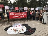 BASIN AÇIKLAMASI - TKB Sakarya Şubesi Kadına Şiddeti Protesto Etti
