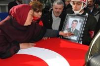 MUSTAFA BALOĞLU - Konyalı Şehit Uzman Çavuş Aykut Kazar Gözyaşlarıyla Toprağa Verildi