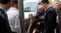 ZEKİ MÜREN - Ünlülerin Müzisyeni Muammer Amca'ya Ortaköy'de Otomobil Çarptı